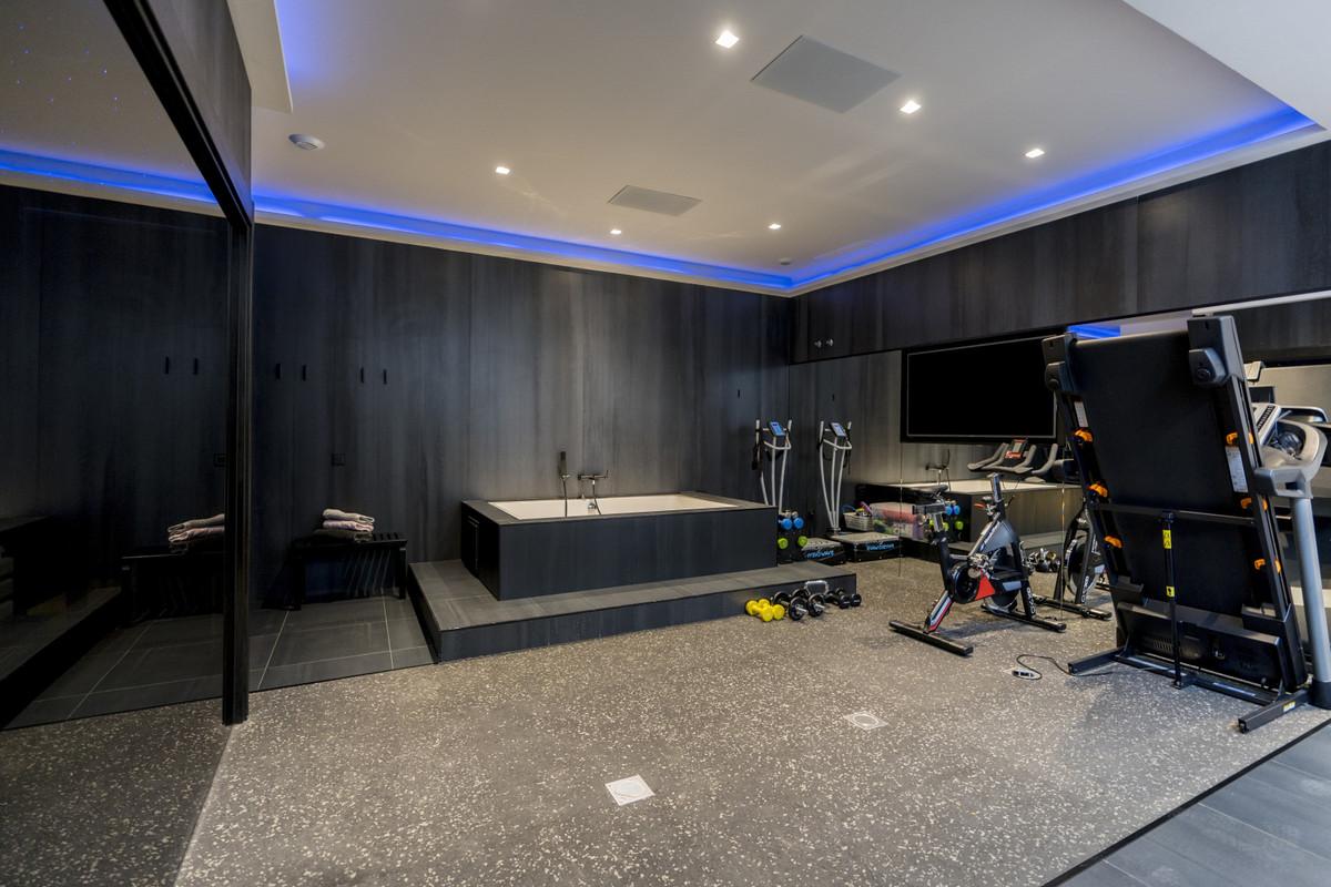 House in Bel Air R3914512 25