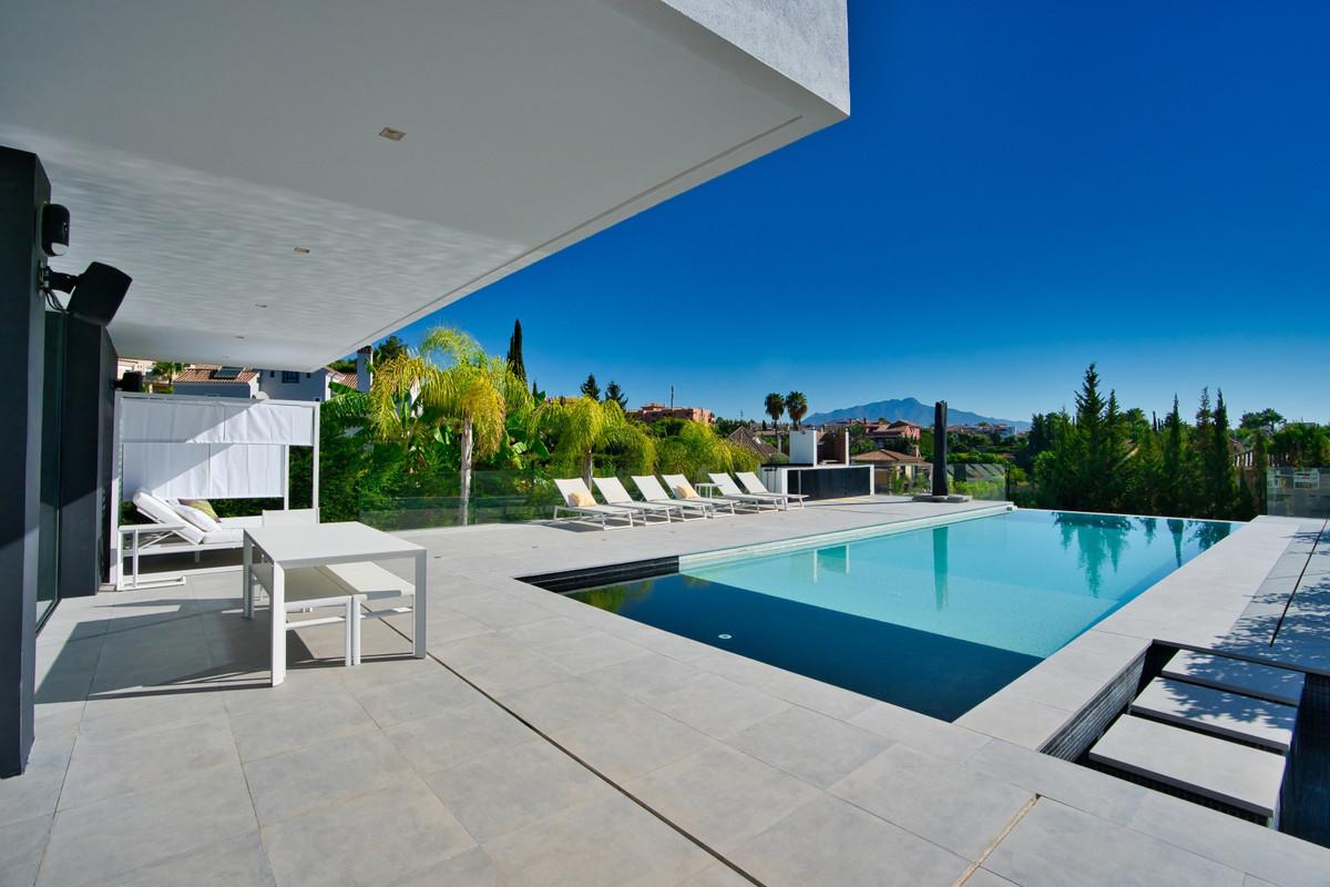 House in Bel Air R3914512 27