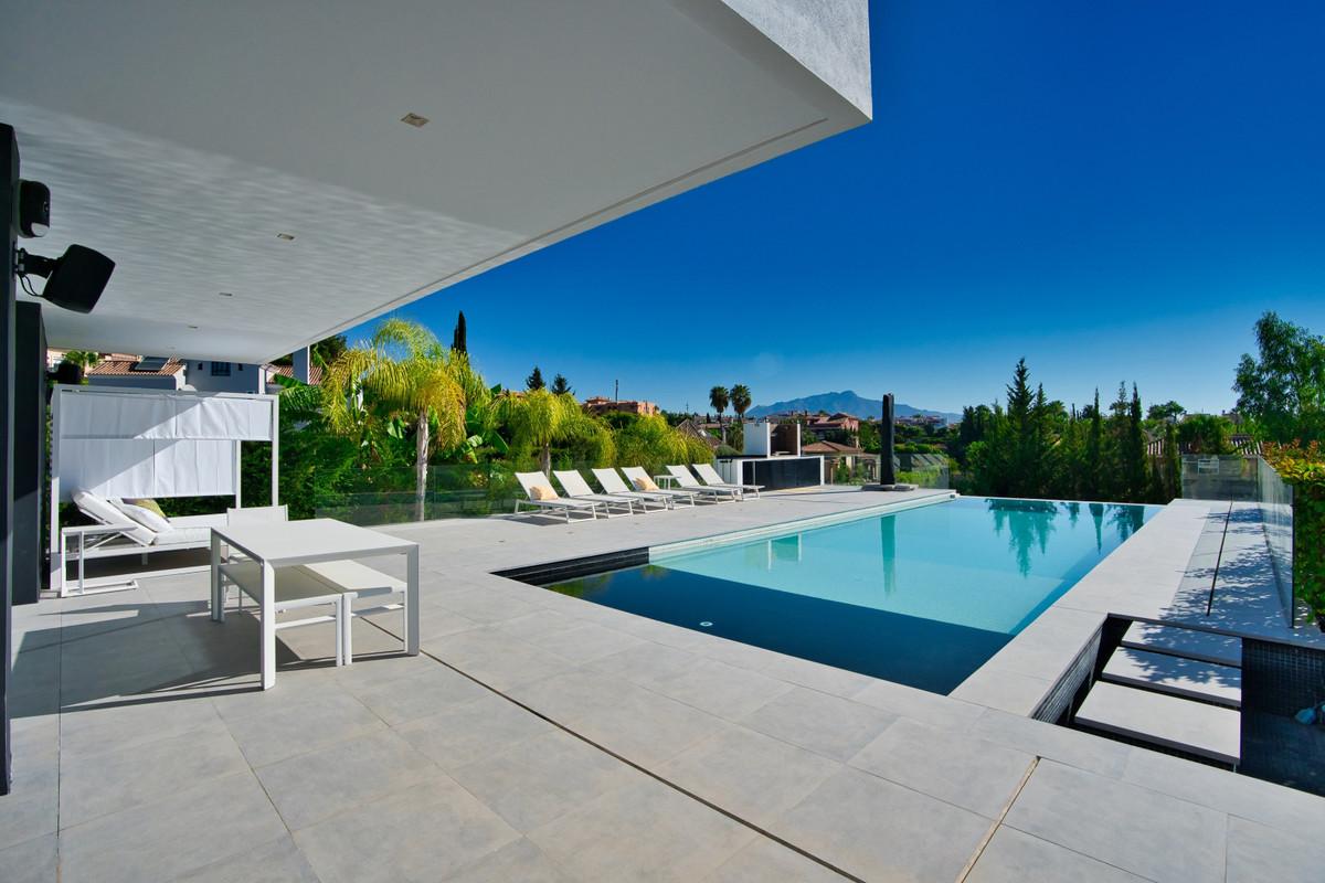 House in Bel Air R3914512 29