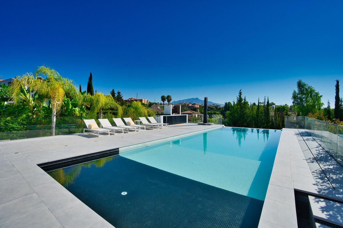House in Bel Air R3914512 31