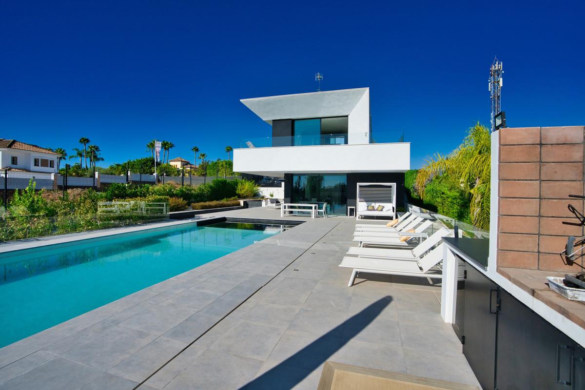 House in Bel Air R3914512 32