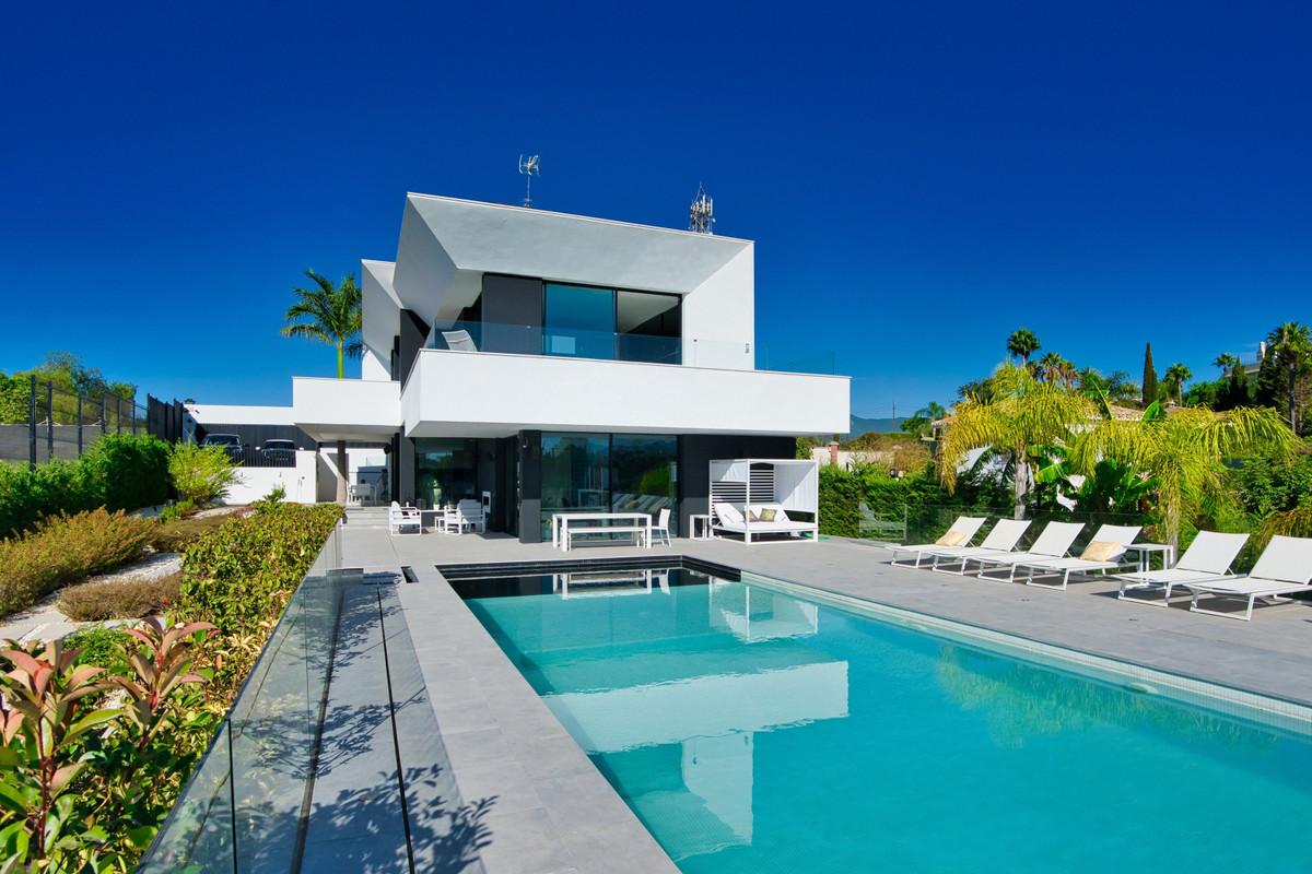 House in Bel Air R3914512 33