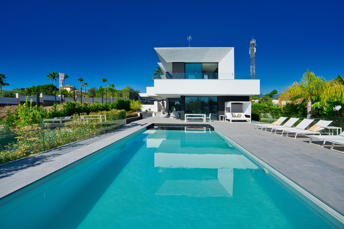 House in Bel Air R3914512 34
