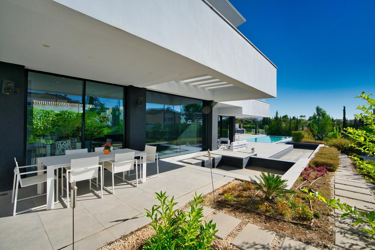 House in Bel Air R3914512 38