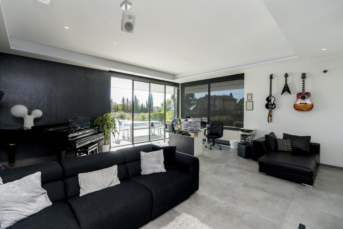 House in Bel Air R3914512 6