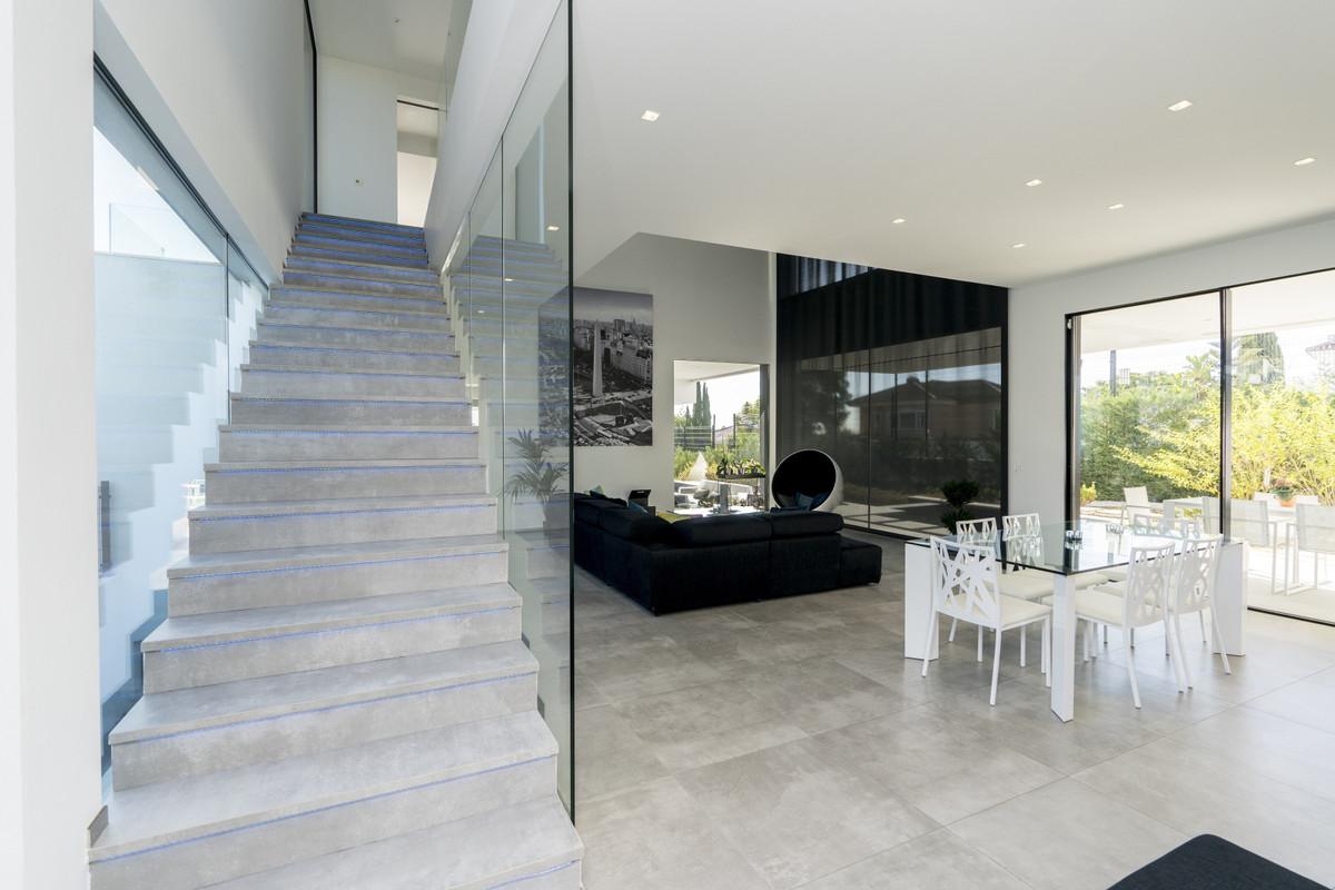 House in Bel Air R3914512 8