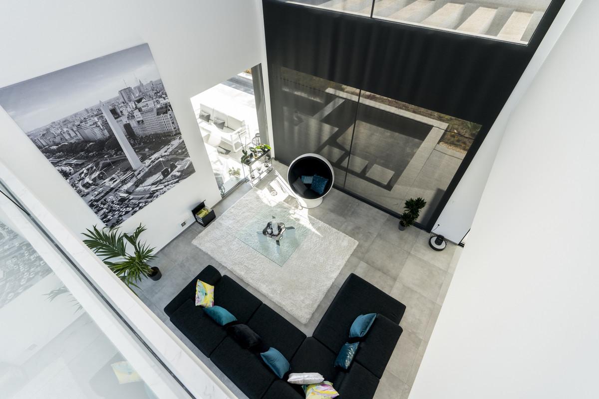 House in Bel Air R3914512 9