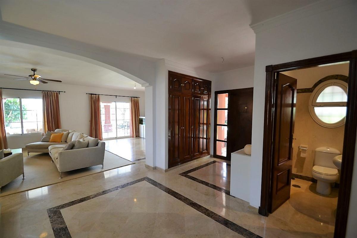 House in Bel Air R3501067 10