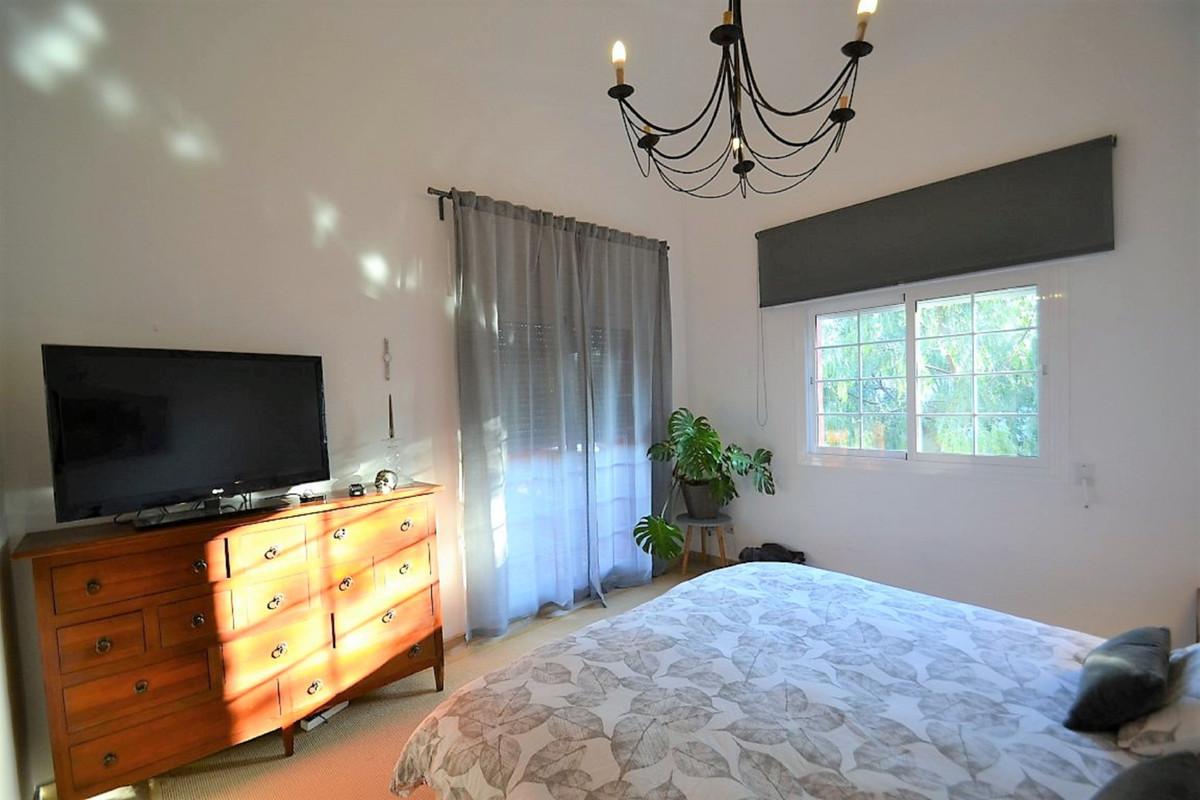 House in Bel Air R3501067 17
