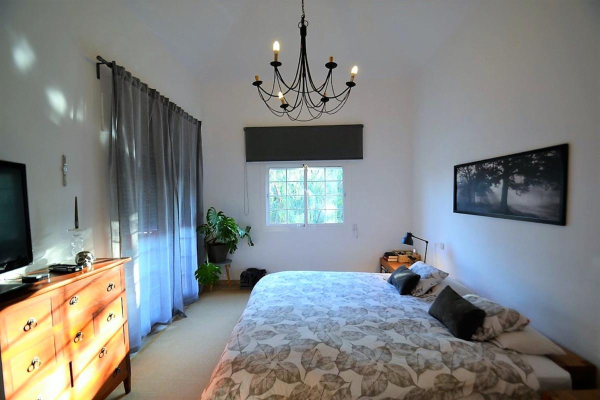 House in Bel Air R3501067 18