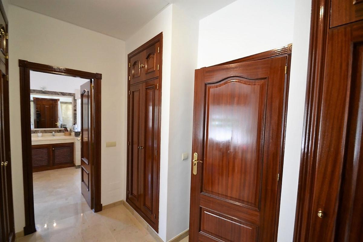 House in Bel Air R3501067 23