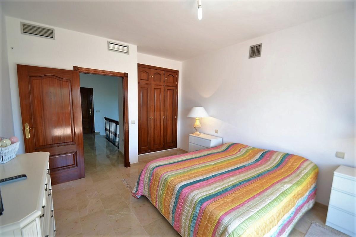 House in Bel Air R3501067 26