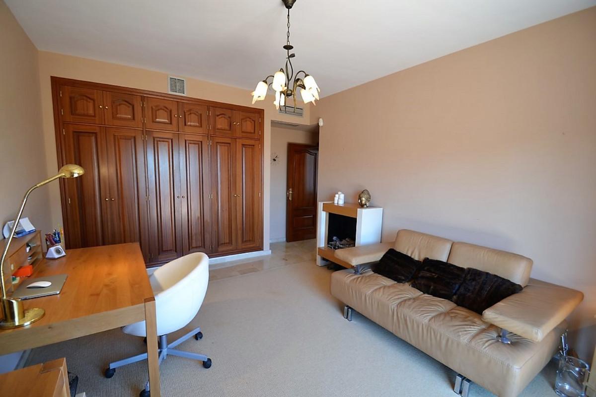 House in Bel Air R3501067 31