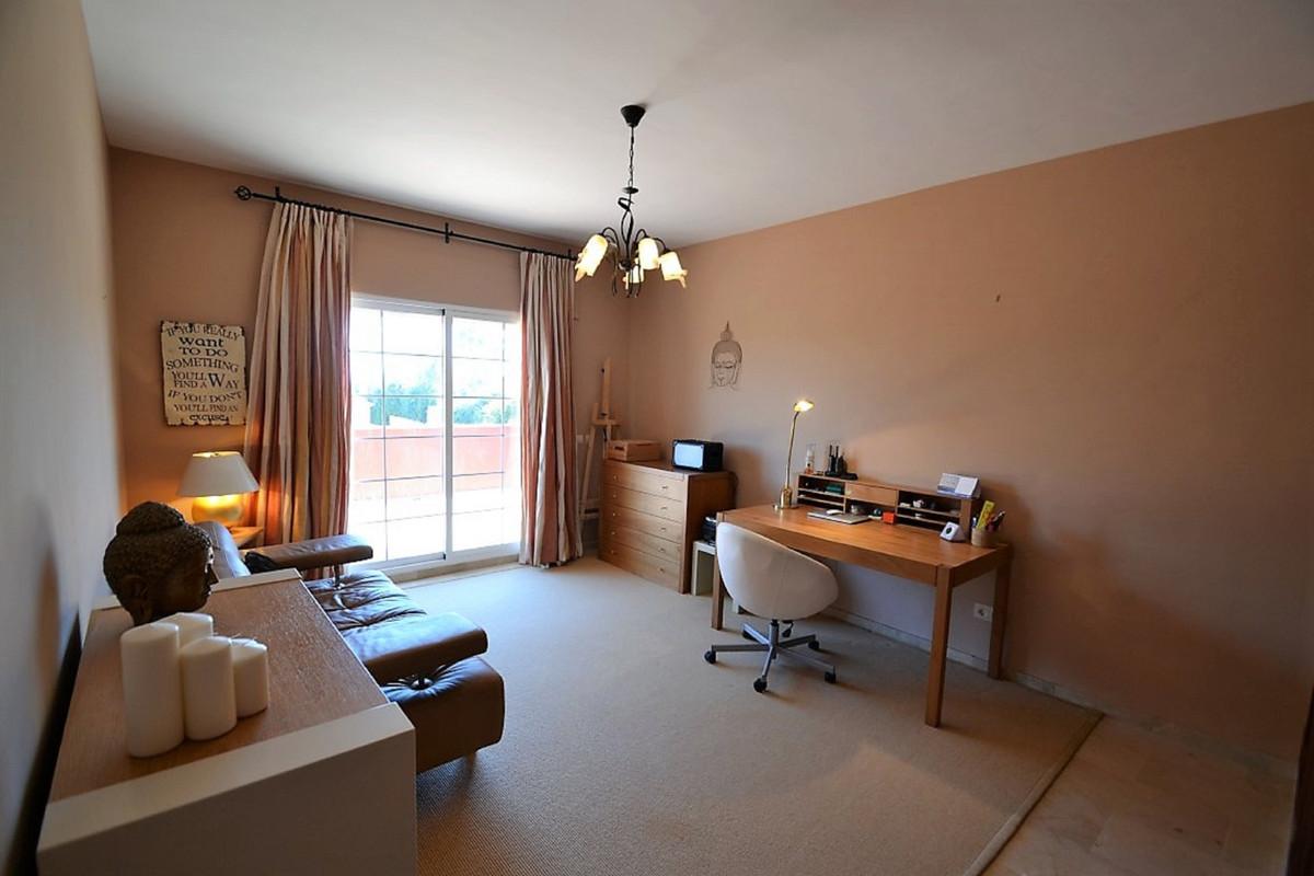 House in Bel Air R3501067 32
