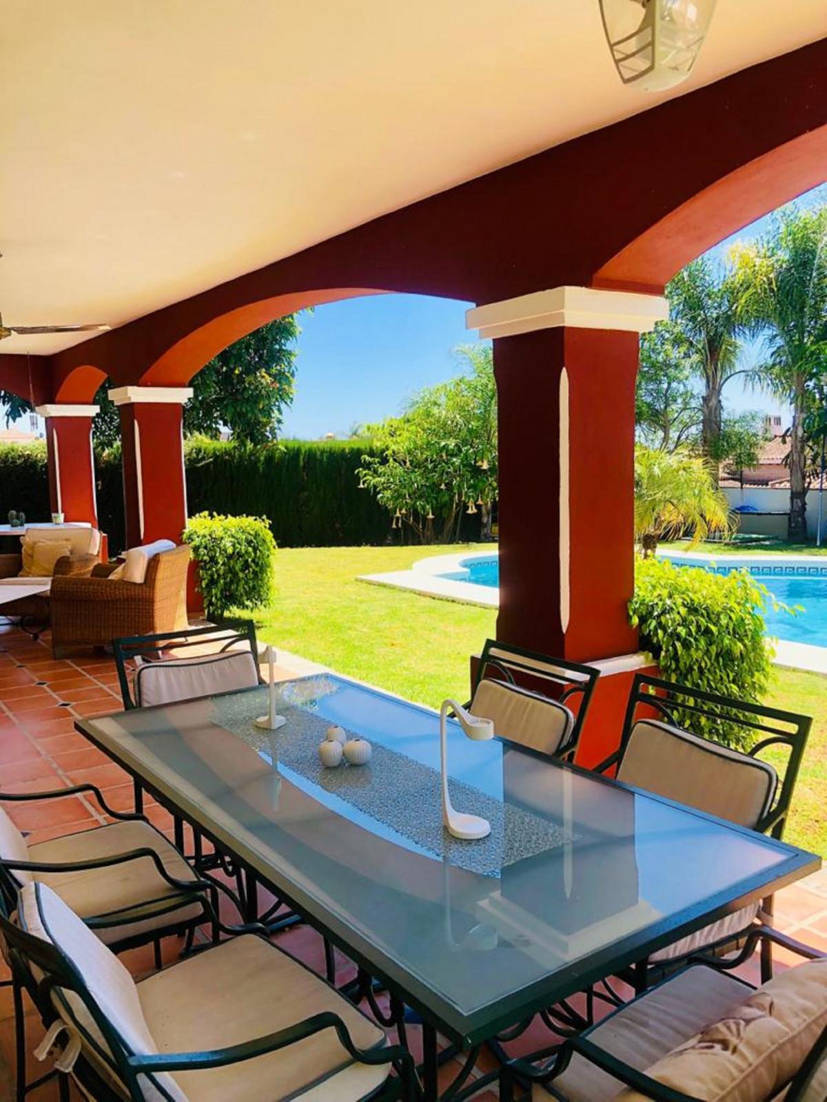House in Bel Air R3501067 35