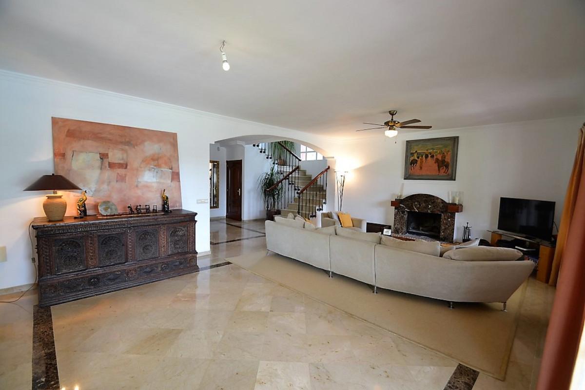 House in Bel Air R3501067 4