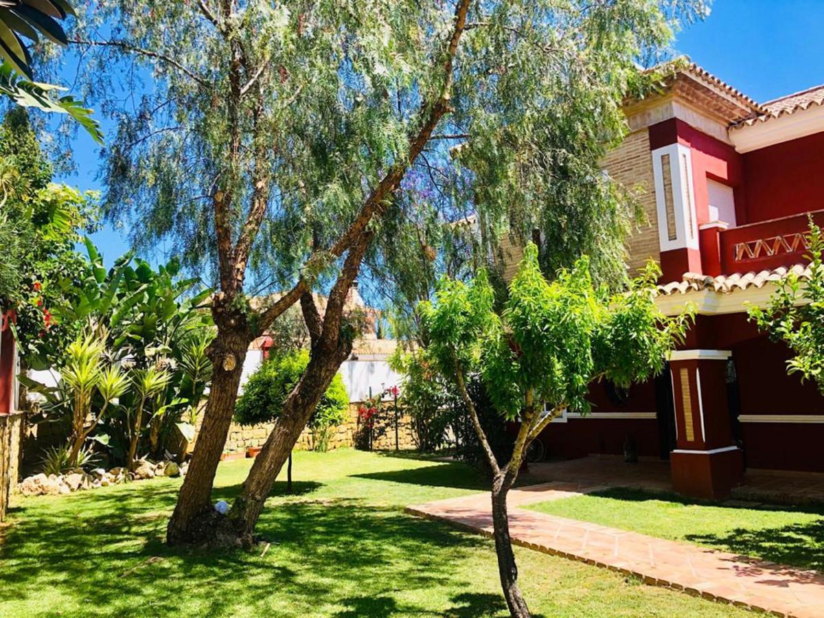 House in Bel Air R3501067 44