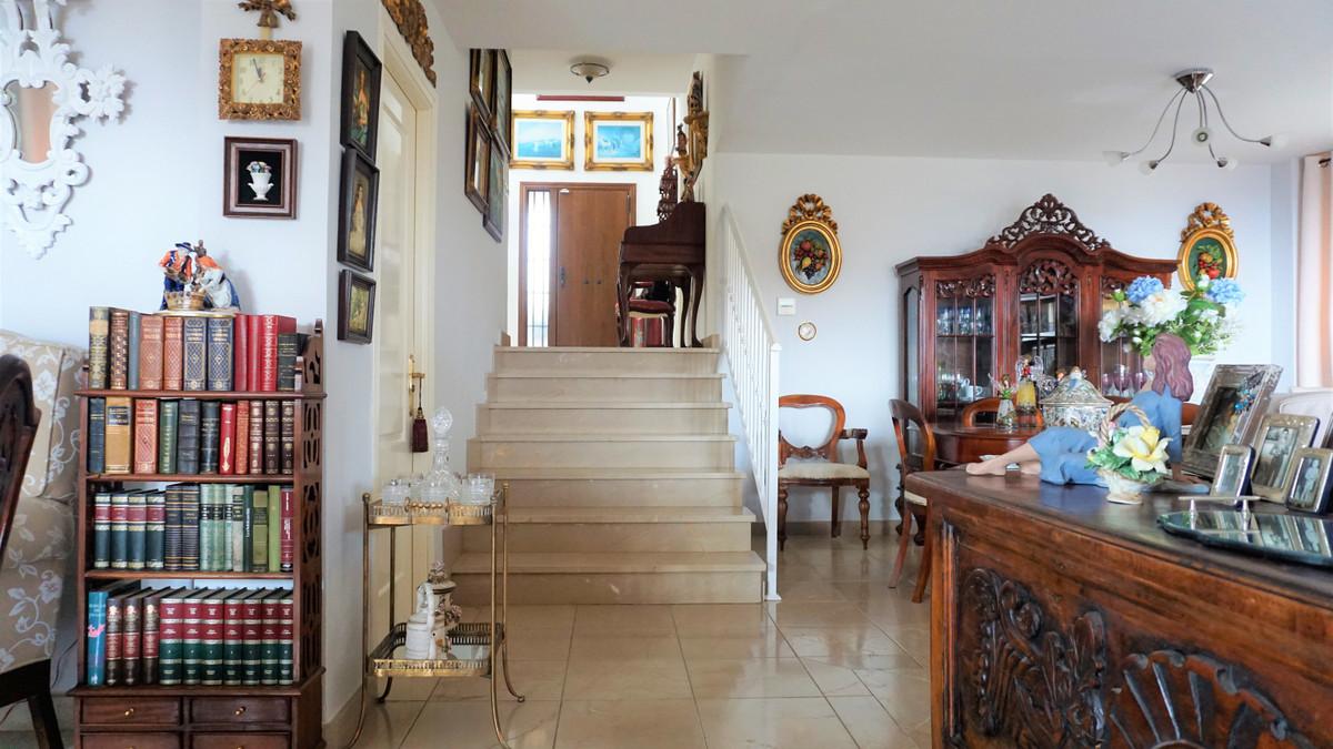 4 Bedroom Semi Detached Villa For Sale La Cala de Mijas