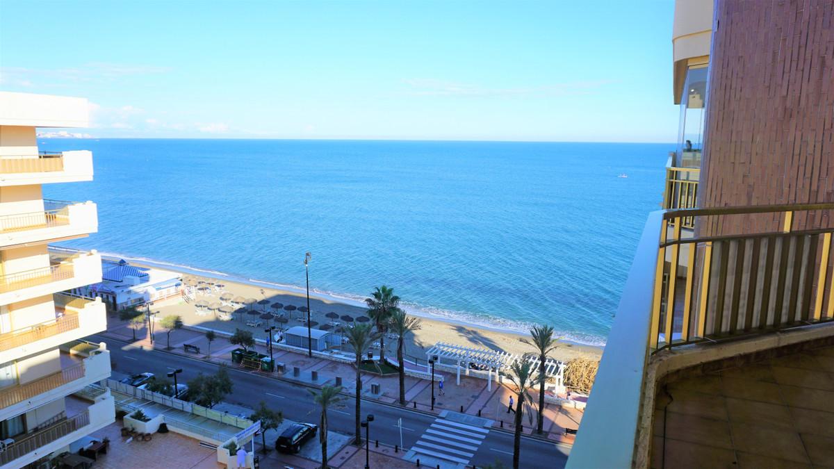 Top Floor Apartment, Fuengirola, Costa del Sol. 2 Bedrooms, 2 Bathrooms, Built 82 m², Terrace 13 m².,Spain