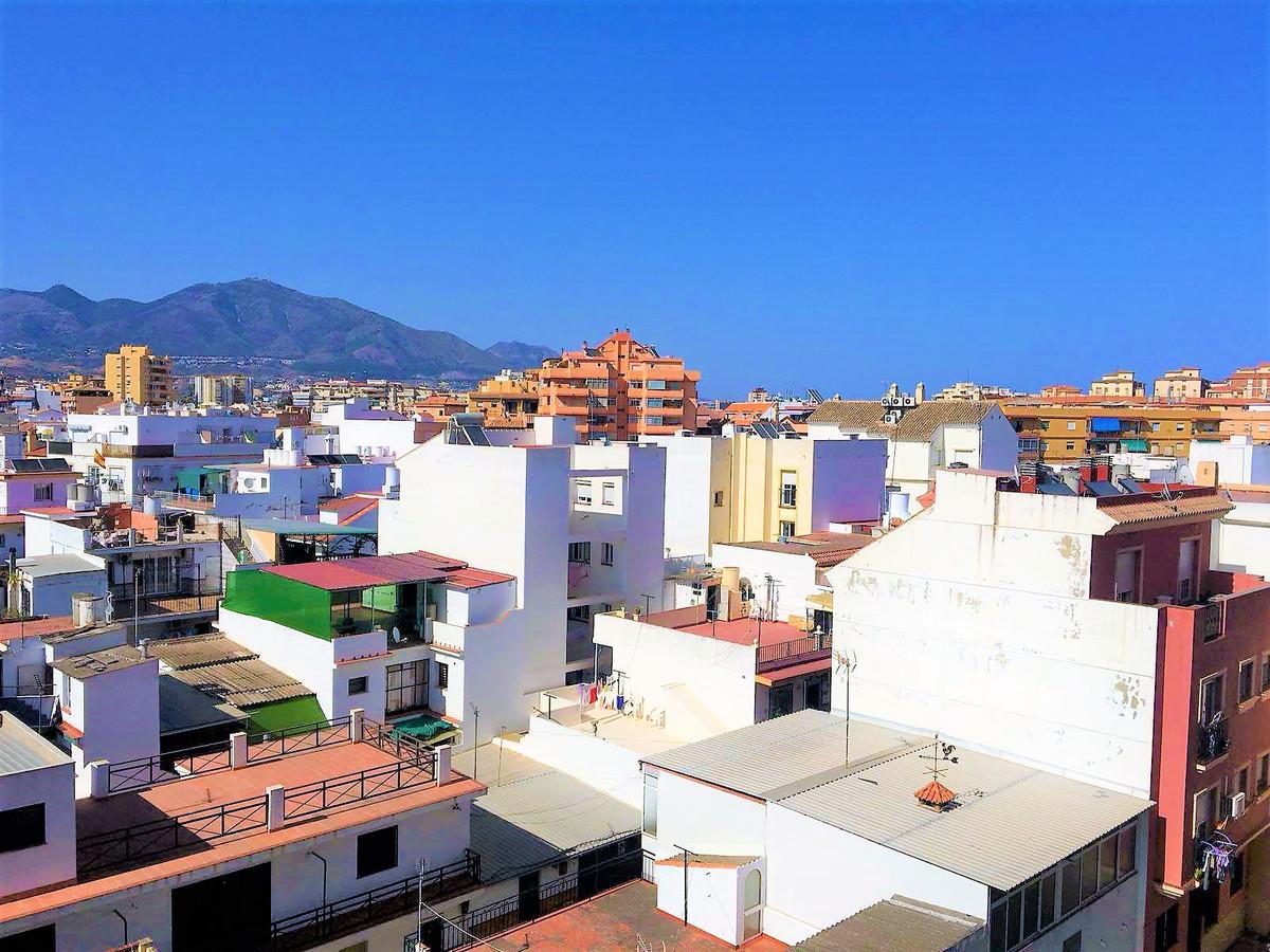 Middle Floor Apartment, Las Lagunas, Costa del Sol. 4 Bedrooms, 1 Bathroom, Built 0 m².  Se,Spain