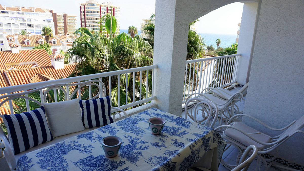 Middle Floor Apartment, Fuengirola, Costa del Sol. 3 Bedrooms, 2 Bathrooms, Built 134 m², Terrace 10,Spain