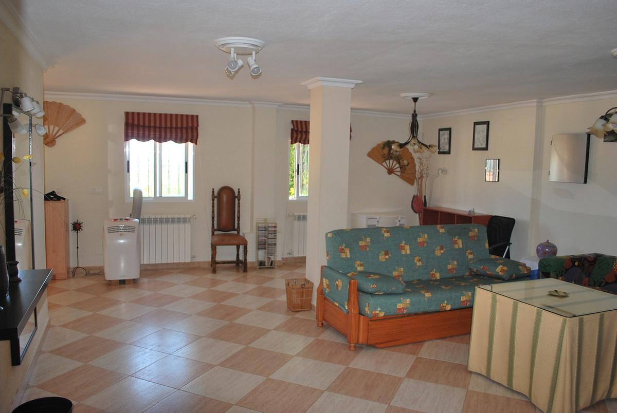 House in Alhaurín de la Torre R3213670 4
