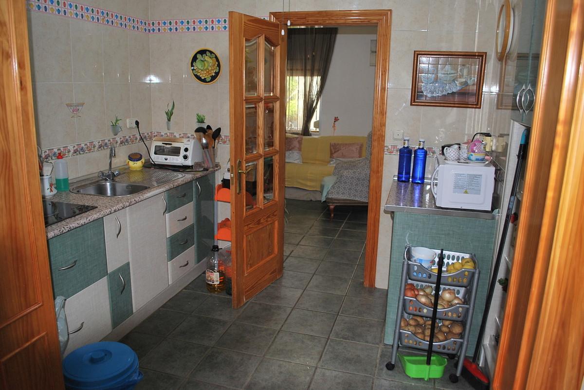House in Alhaurín de la Torre R3038810 11