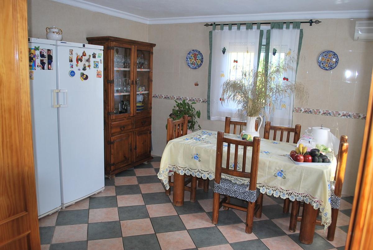 House in Alhaurín de la Torre R3038810 12