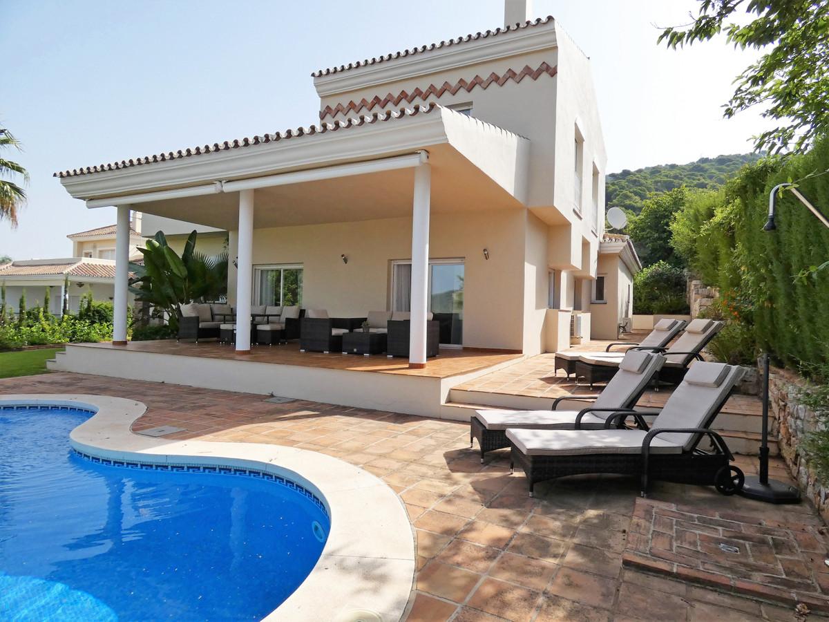House in Alhaurin Golf R3681662 1