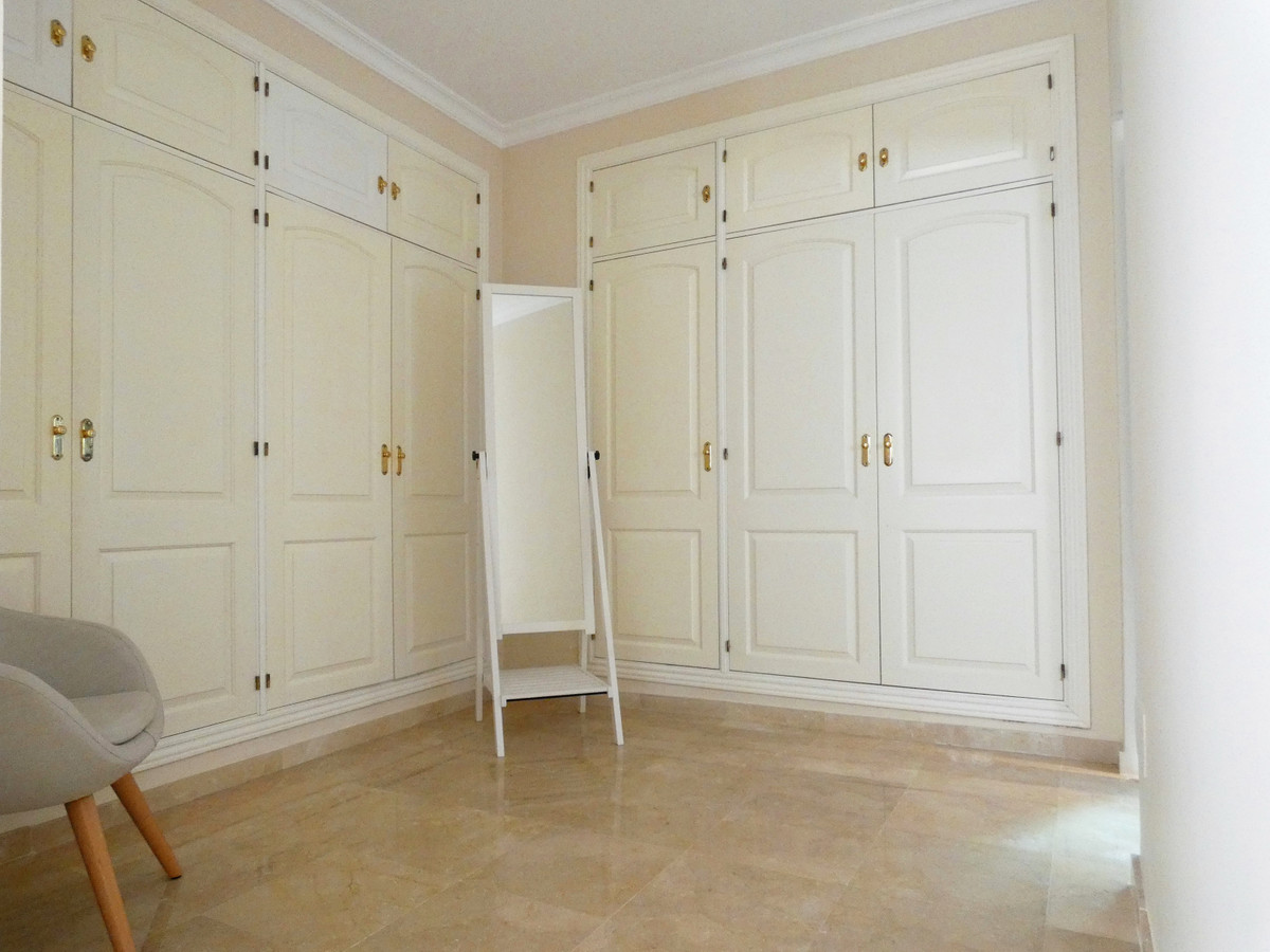 House in Alhaurin Golf R3681662 13