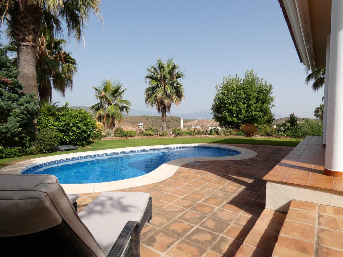 House in Alhaurin Golf R3681662 2