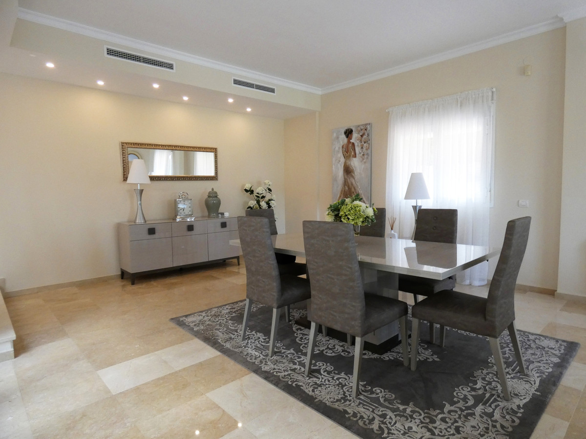House in Alhaurin Golf R3681662 5