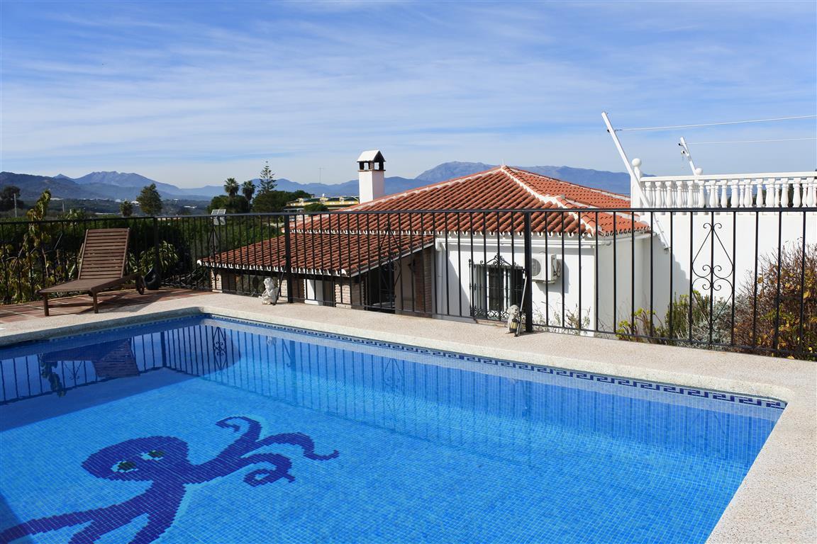 Villa 7 Dormitorios en Venta Coín