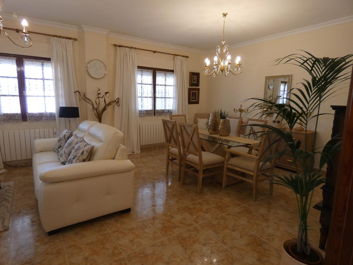 House in Alhaurín el Grande R3866665 4