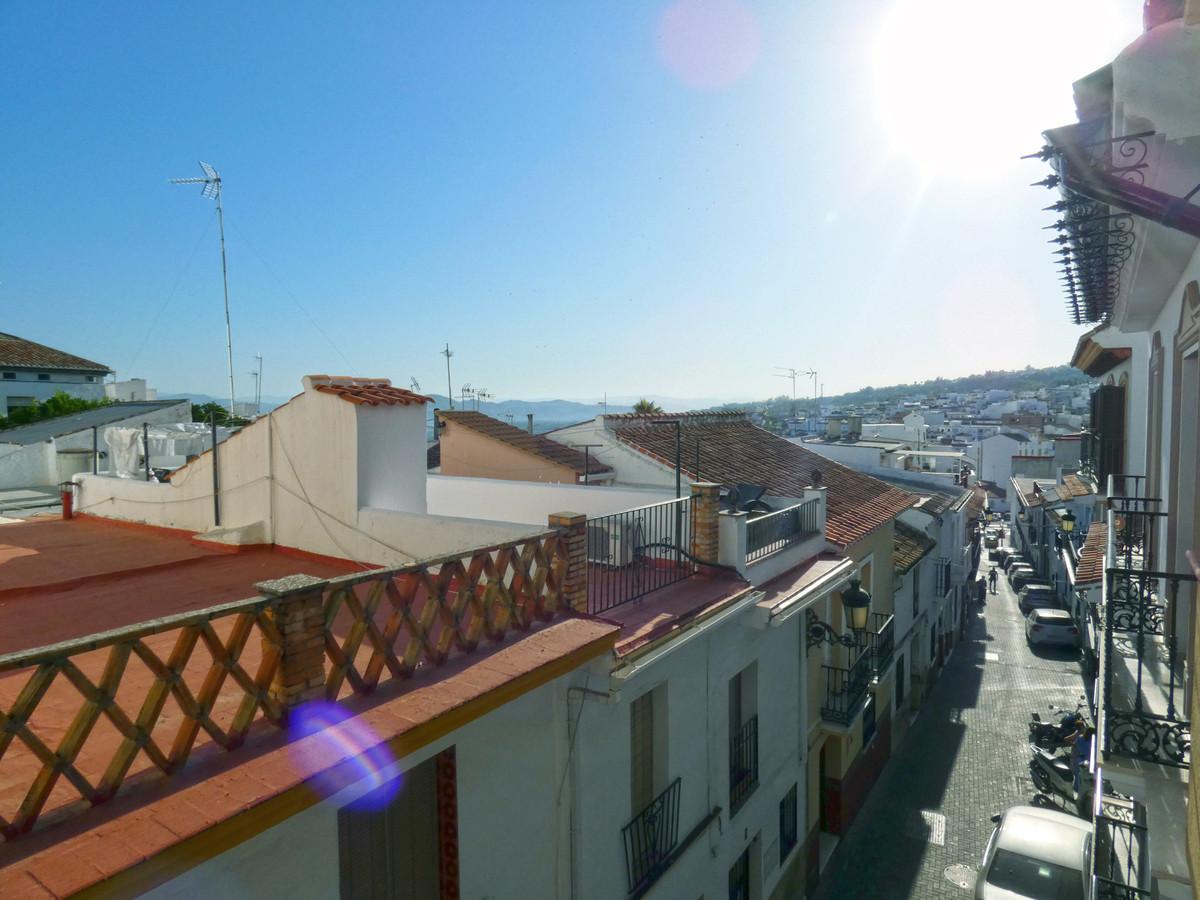 3 Bedroom Middle Floor Apartment For Sale Alhaurín el Grande, Costa del Sol - HP3671297