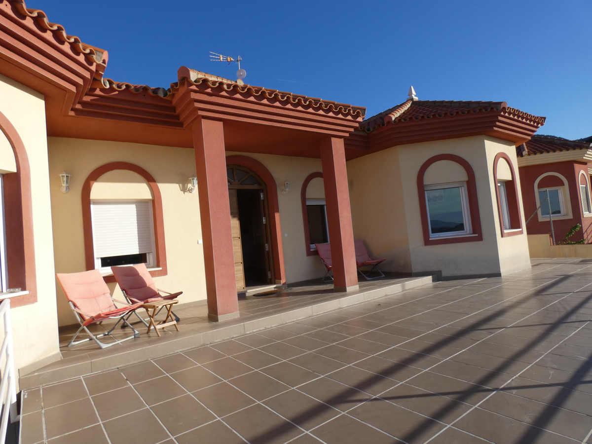 House en Alhaurín de la Torre R3628874 2