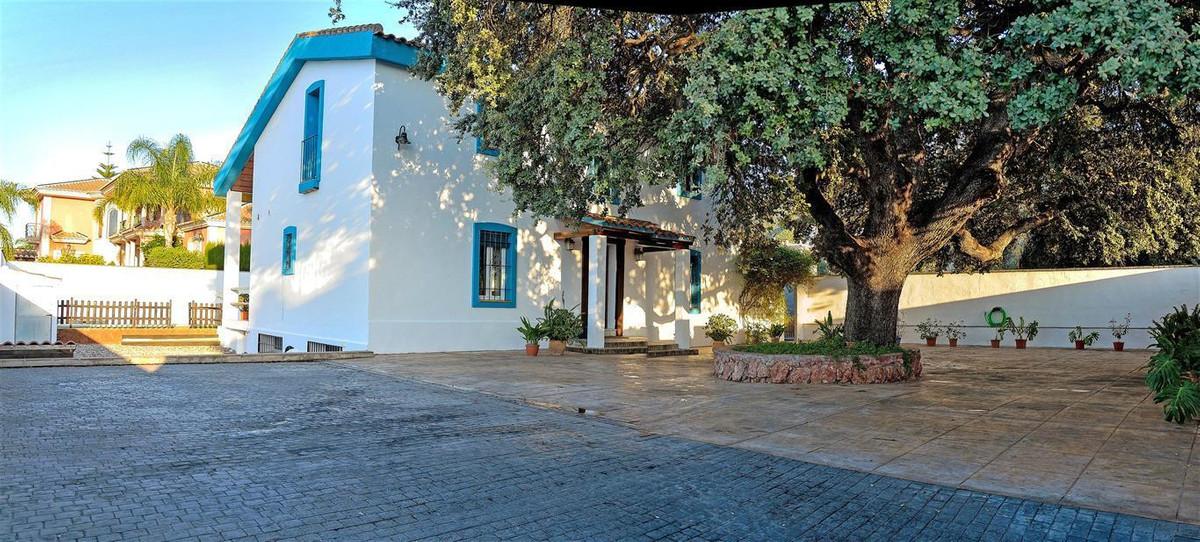 Villa 4 Dormitorios en Venta Alhaurín el Grande