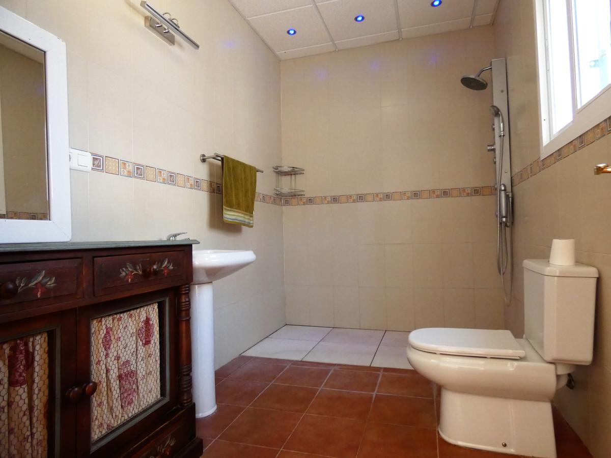 House in Alhaurín el Grande R3681680 44