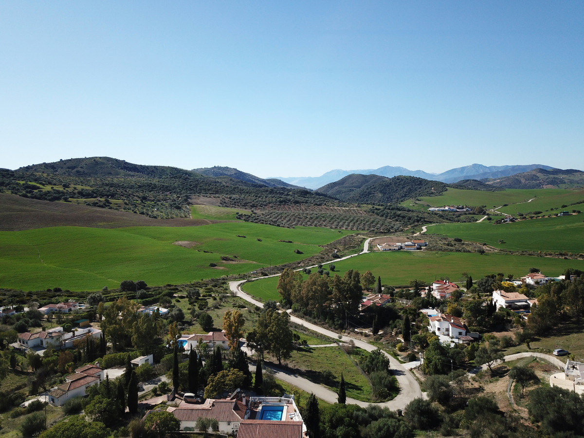 House in Almogía R3364516 2