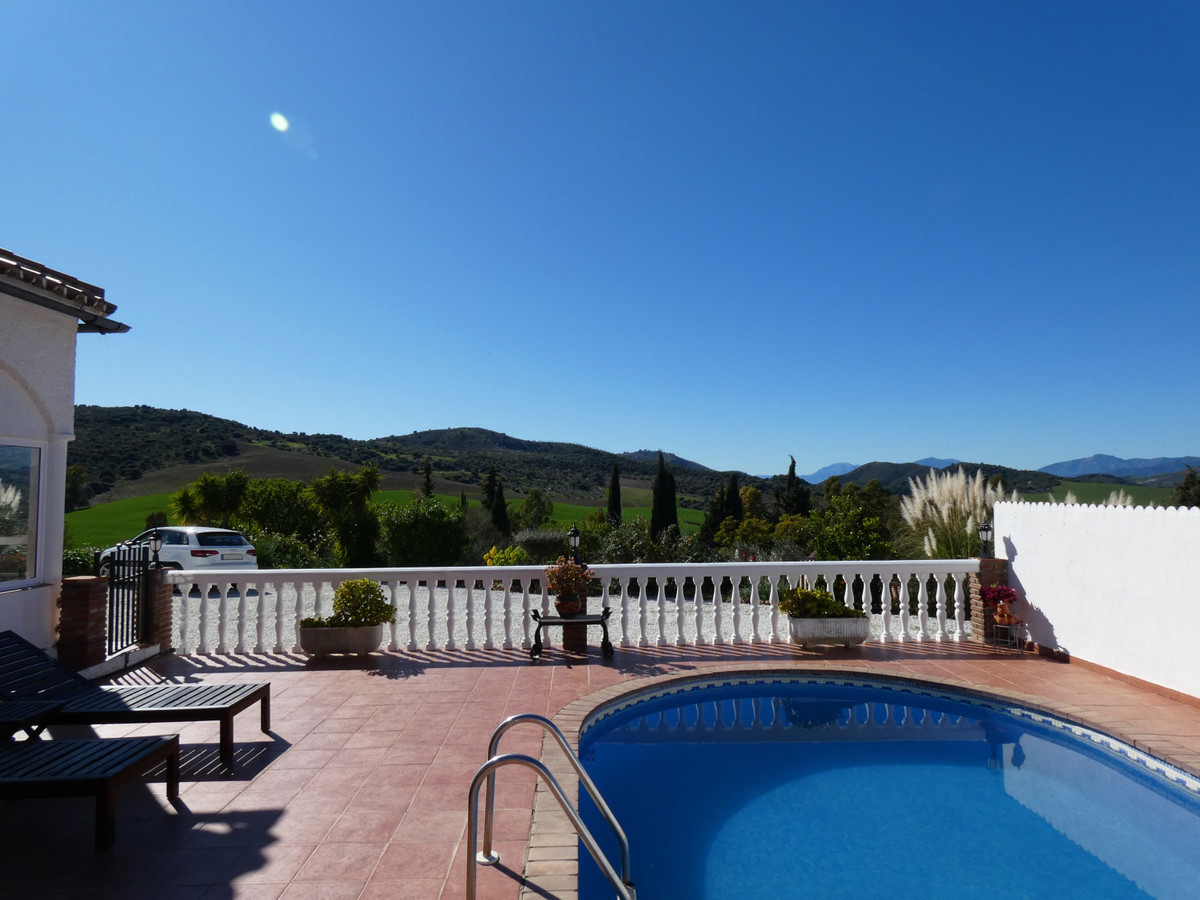House in Almogía R3364516 25