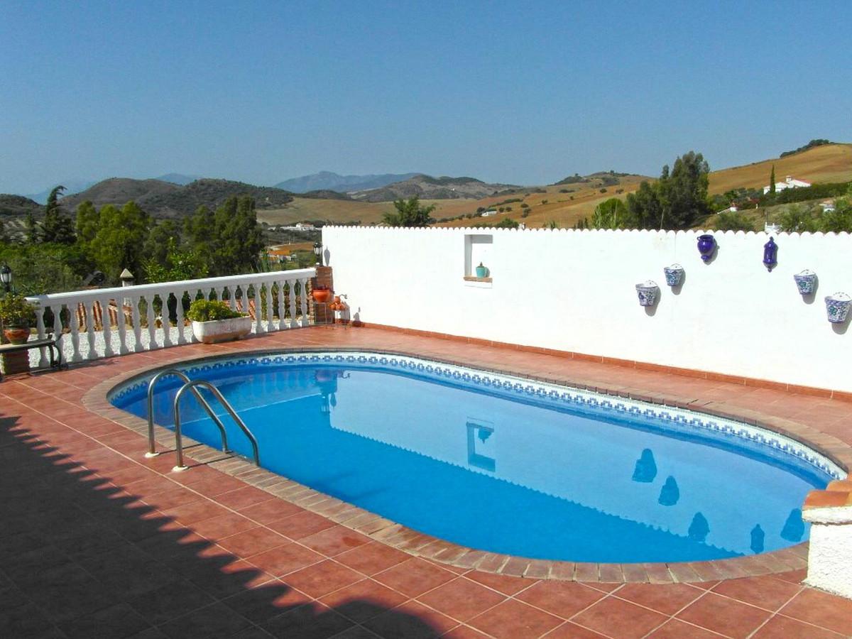 House in Almogía R3364516 3