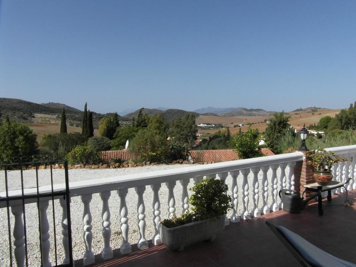 House in Almogía R3364516 32