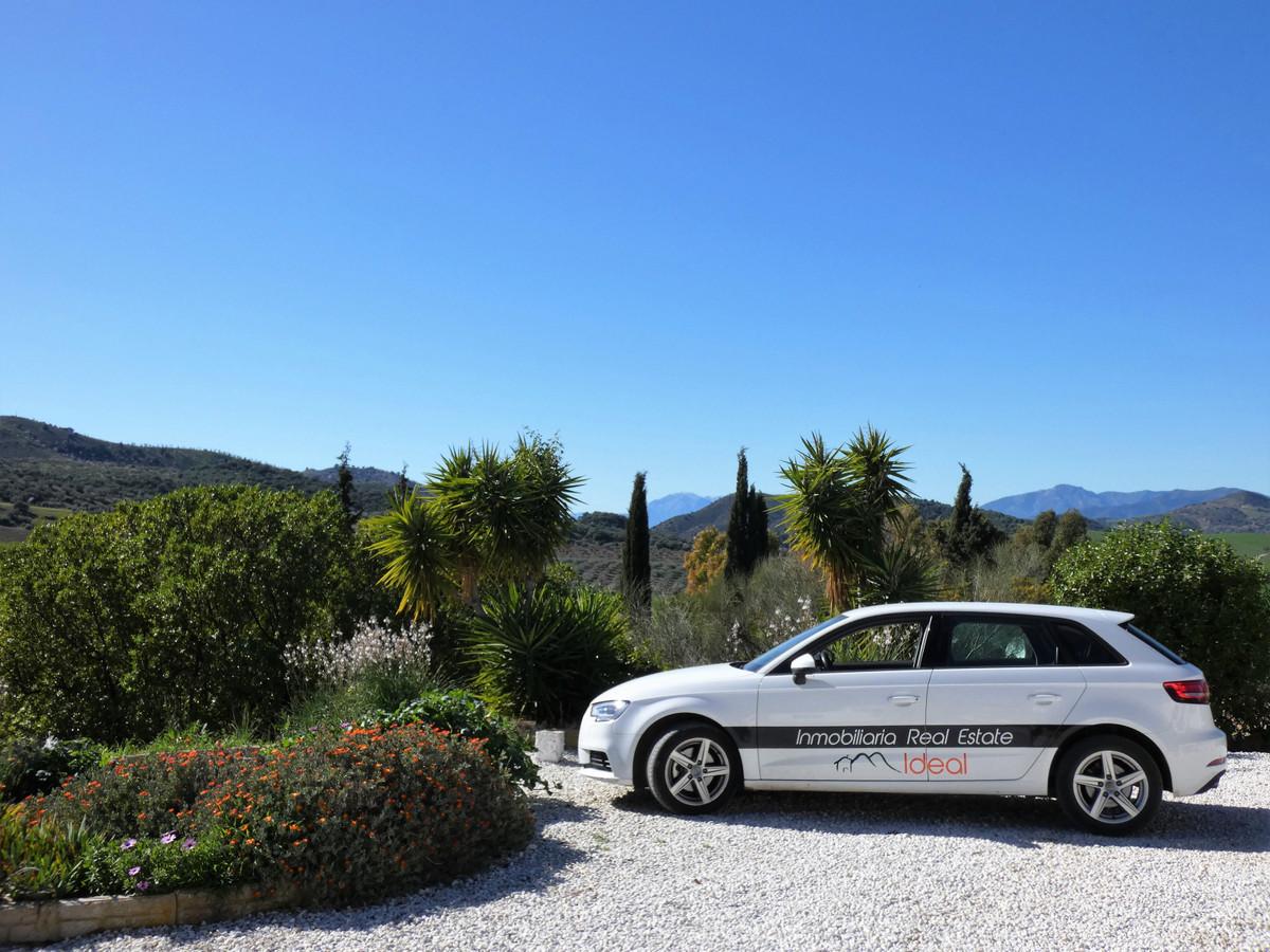House in Almogía R3364516 36