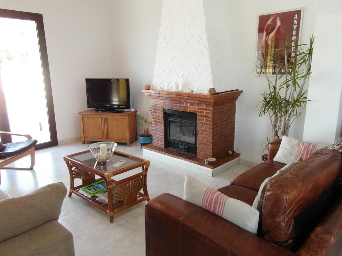 House in Almogía R3364516 4