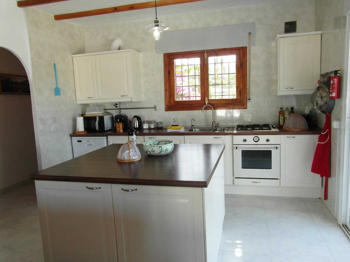 House in Almogía R3364516 6