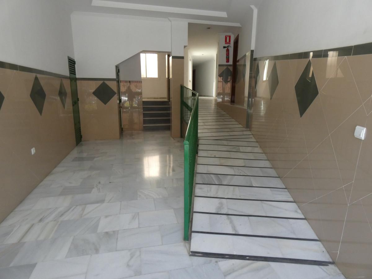 Apartment in Alhaurín de la Torre R3433054 2