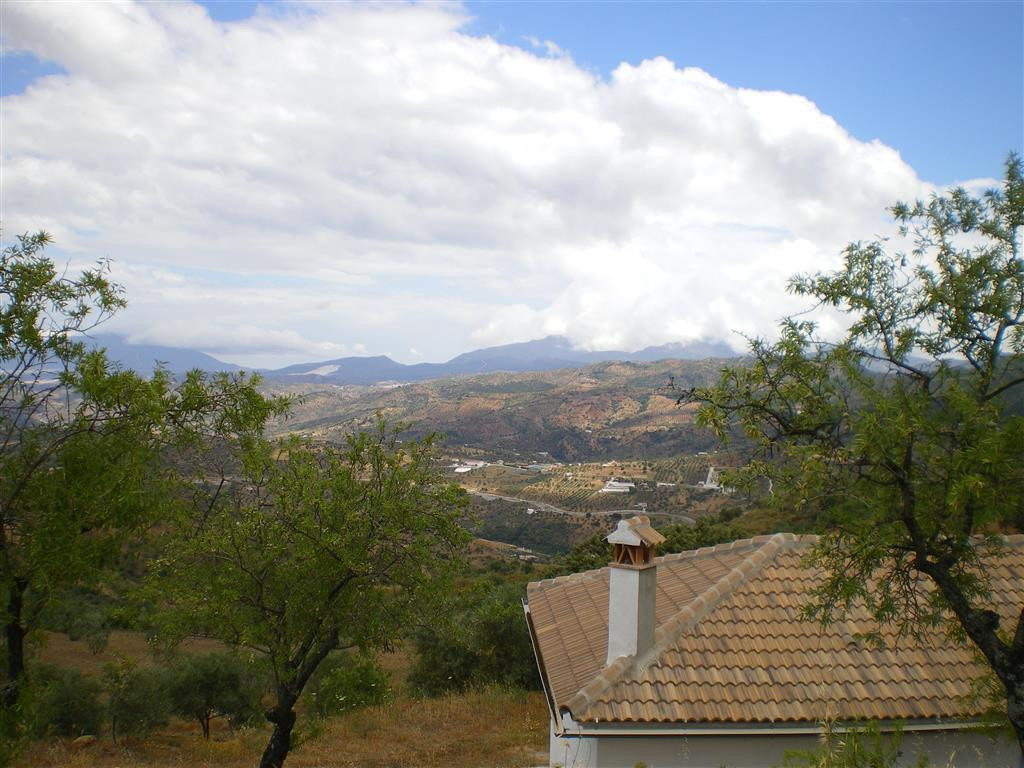 Country house in Tolox with stunning views to the mountains. The property is completely open plan an,Spain
