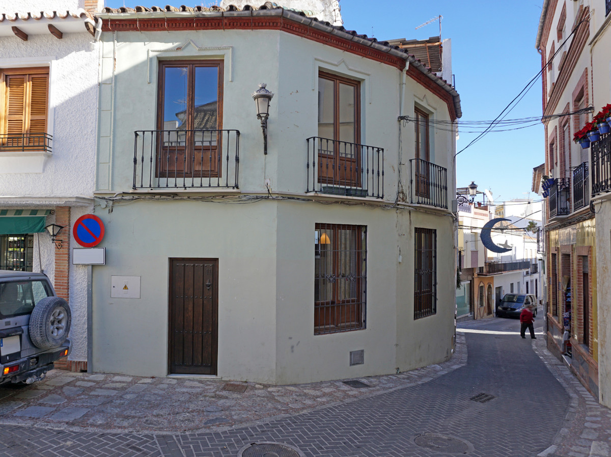 Townhouse in Coín R3060187