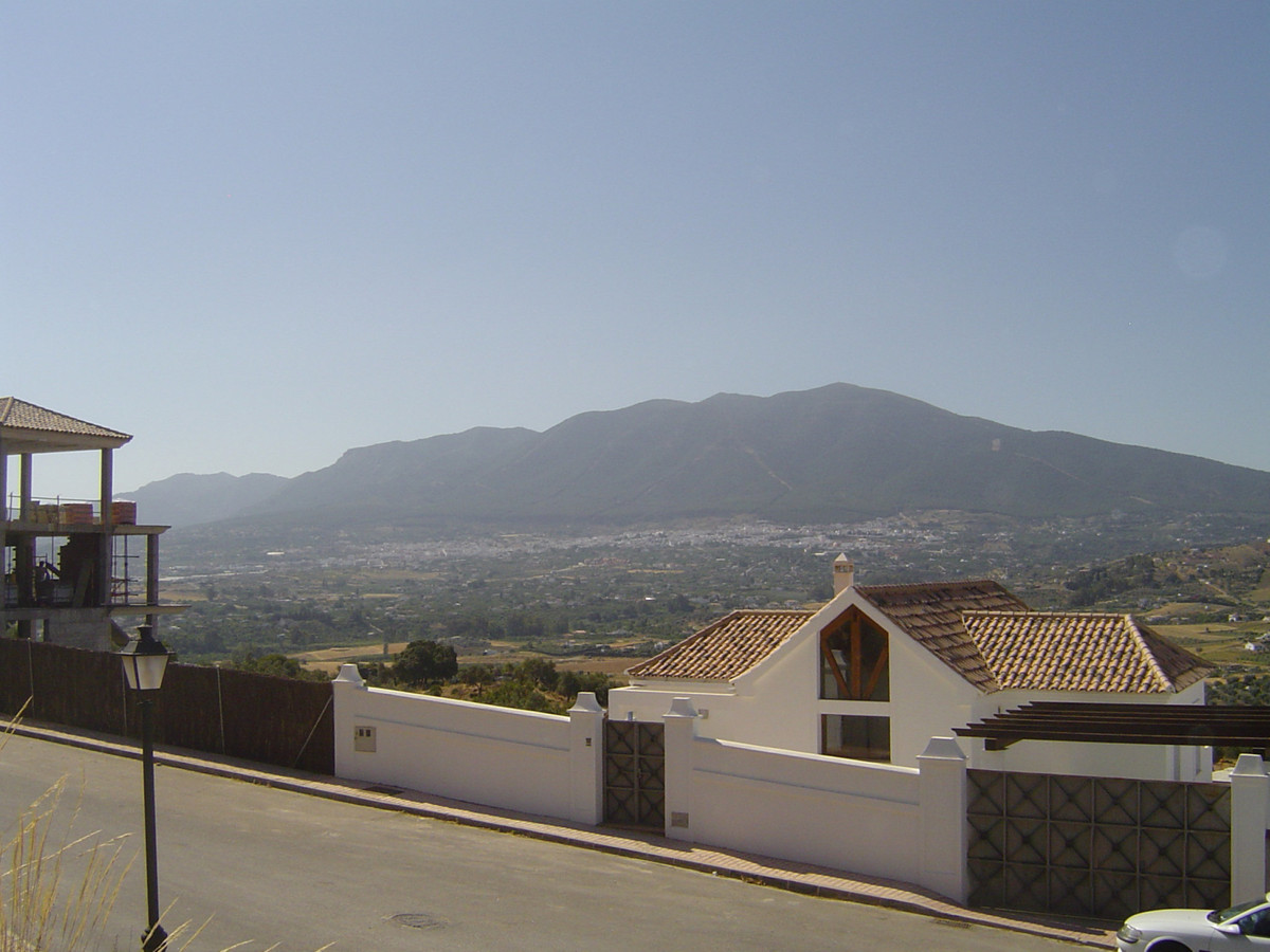 Fantastic urban plot with uninterrupted views across the Guadalhorce valley. Able to build a villa o,Spain