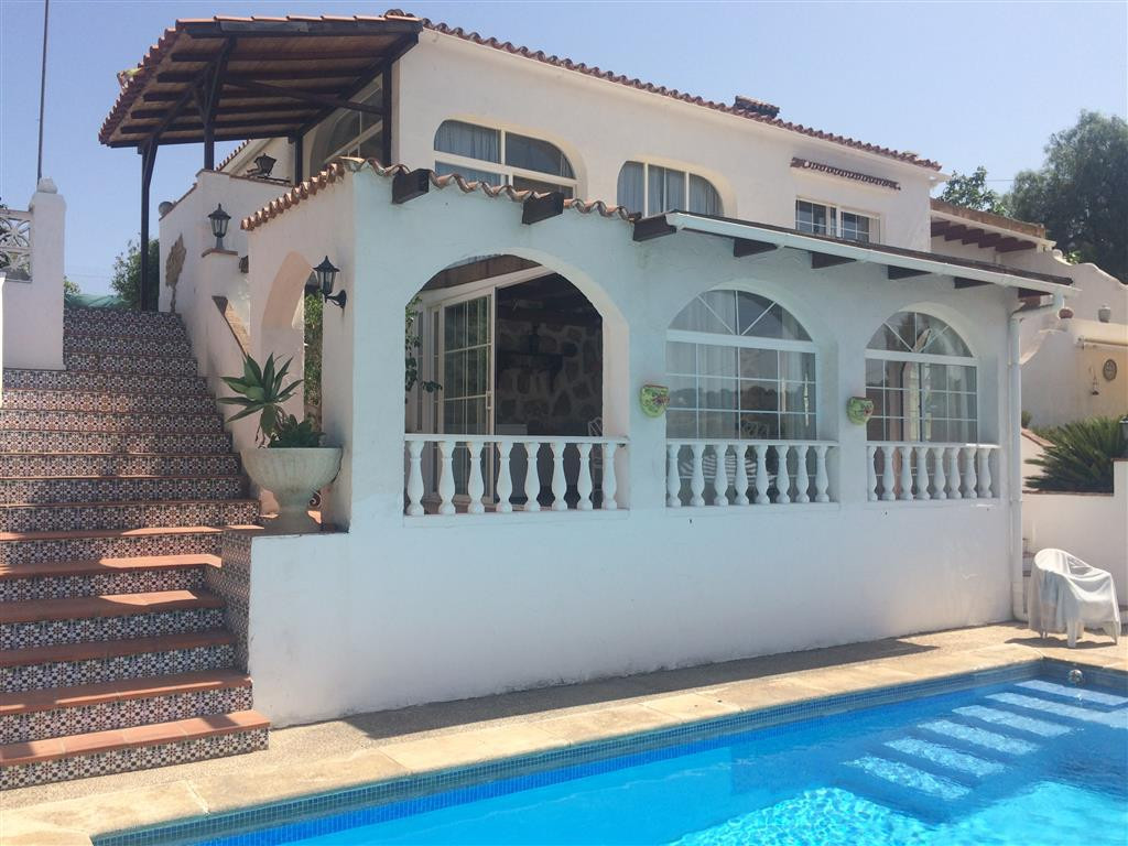 House in Alhaurín de la Torre R2134001 1